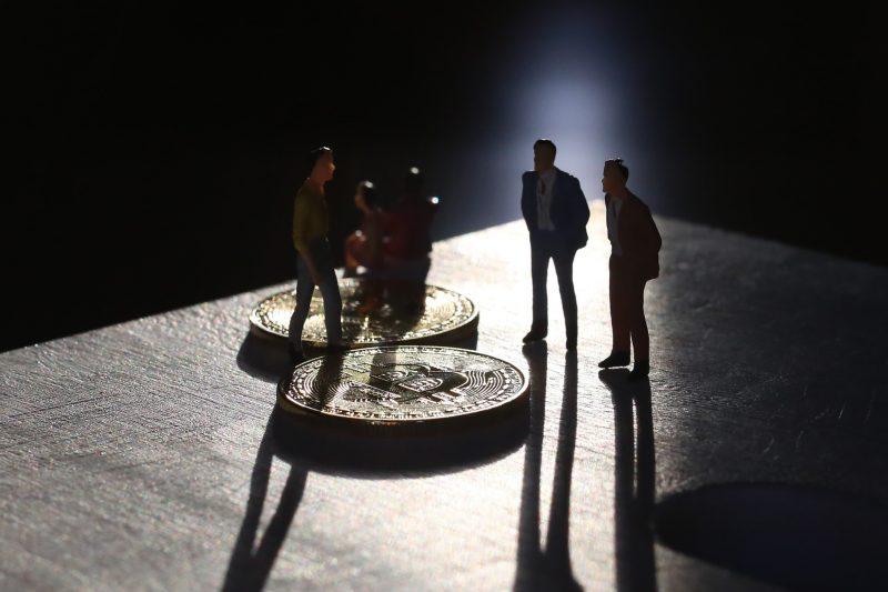 ビットコインの違法行為目的の利用が全体の9割から1割に激減、投機が主流に