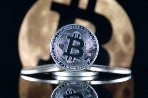 BTC(ビットコイン)の価格が2018年9月ぶりに最高値を更新し、7400ドルをタッチ