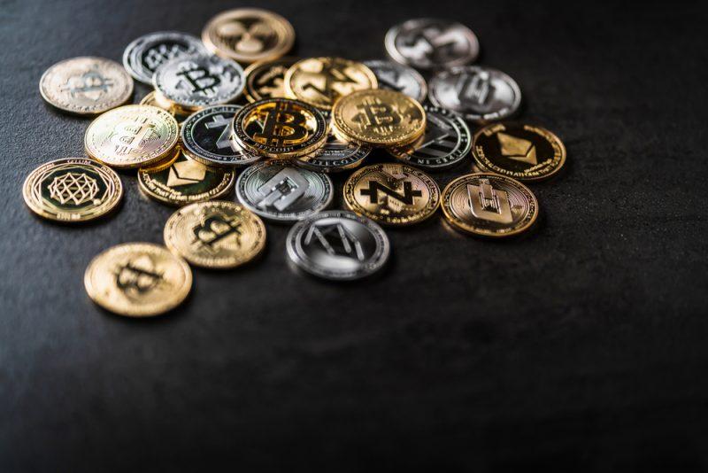 トレンドレスな動きを続けるクリプト市場、アルトコインはBTC建てで堅調か